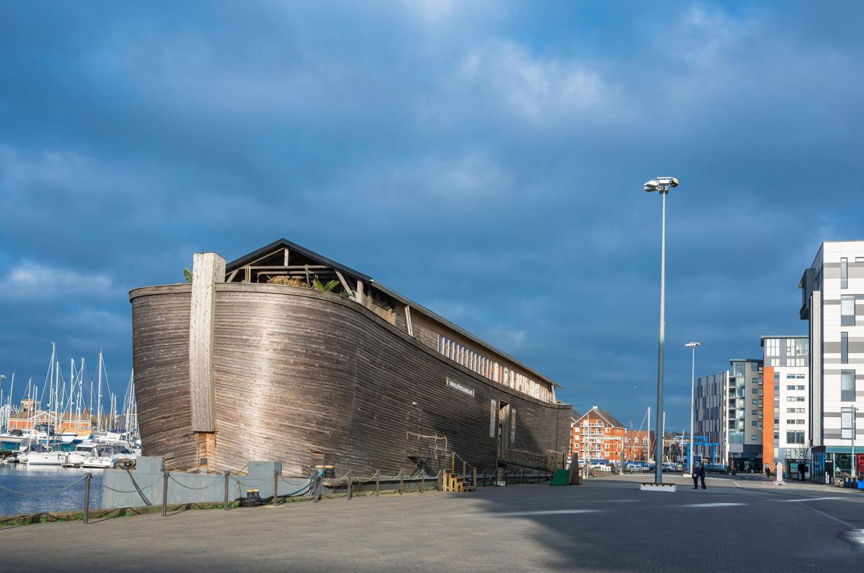 Una replica dell'Arca di Noè affronta un costoso dilemma di proporzioni bibliche